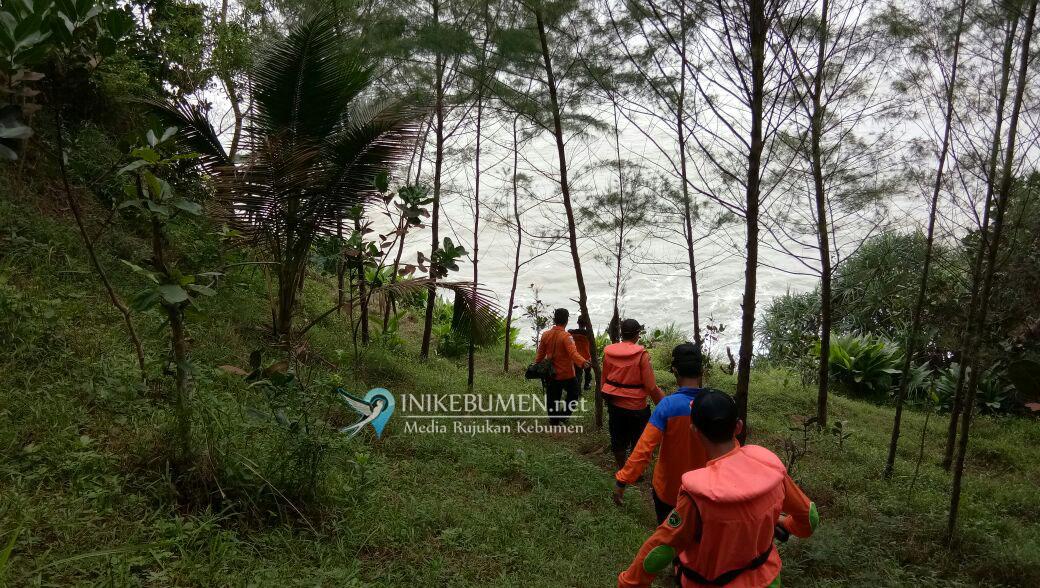 Pencarian Korban Pemancing yang Hilang di Pantai Karangbolong Dilanjutkan