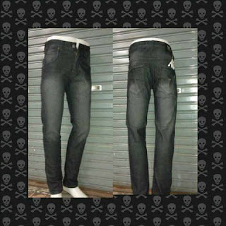 Model High Rise Celana Jeans Pria