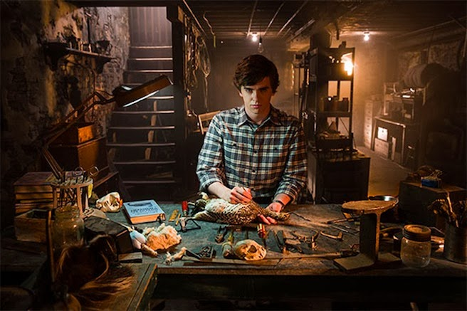 Freddie Highmore Norman Bates Motel second season