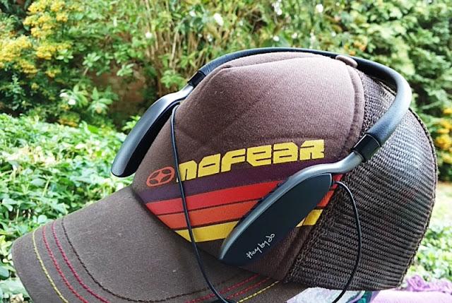 Divacore Hello Past Times Jo Inwards Ear Collar Headphones