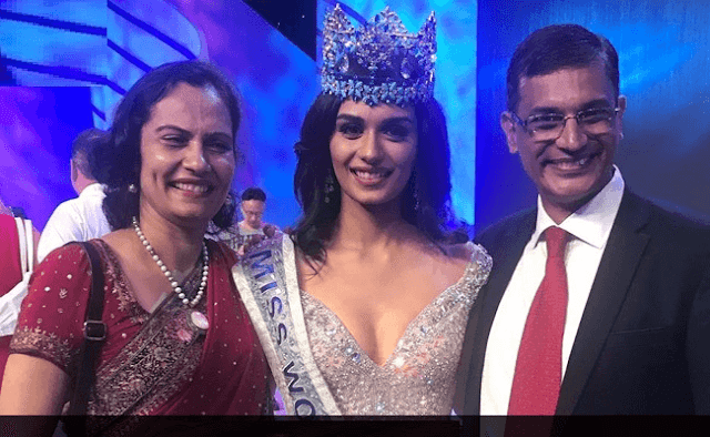 Manushi Chhillar Miss World 2017 With Her Parents HD Wallpaper Photo Images