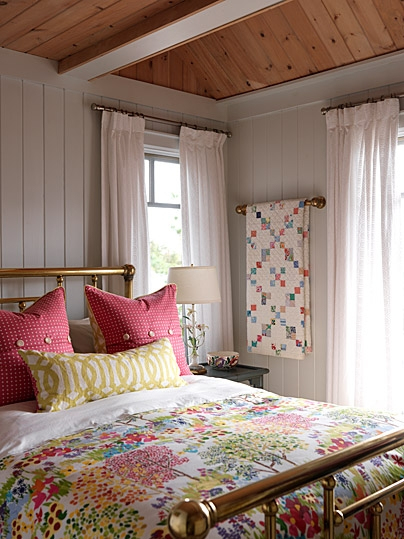 Eye For Design: Decorate With Quilts For Cottage Style ...