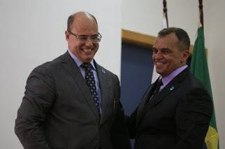 http://vnoticia.com.br/noticia/3366-novo-secretario-da-policia-civil-faz-mudancas-no-comando-de-delegacias-em-todo-o-rio