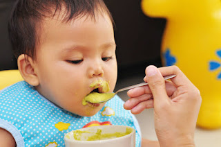 Bayi Muntah Setiap Makan? Kenali Penyebab Dan Cara Menanganinya