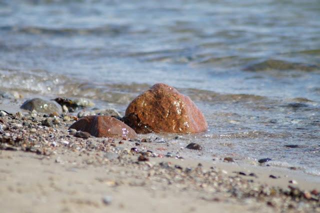 Stein am Strand von Strande