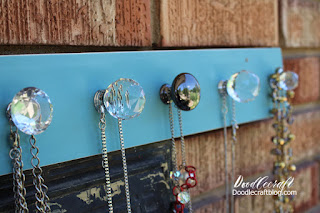 http://www.doodlecraftblog.com/2016/07/crystal-knob-necklace-holder.html