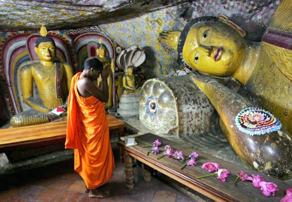 masken buddhismus shangrila