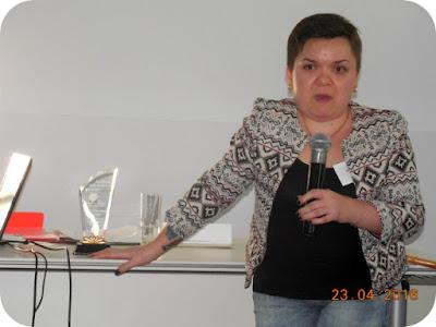 Alina Gheorghe si trofeul