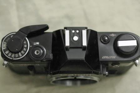 Canon ae-1 hitam atas