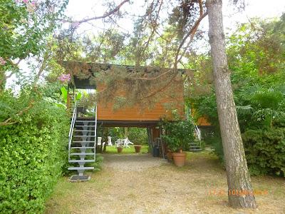 ein Mobilhome auf dem Campingplatz Riviera am Lago Maggiore