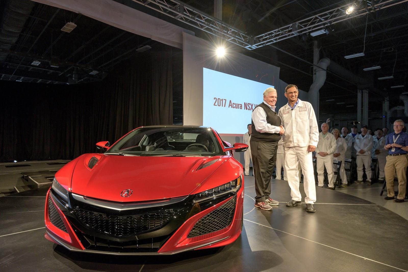 Chiếc 2017 Acura NSX đầu tiên đã xuất xưởng và có ngay chủ mới