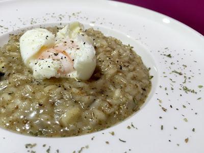 Risotto de salsa trufada con huevo poch�