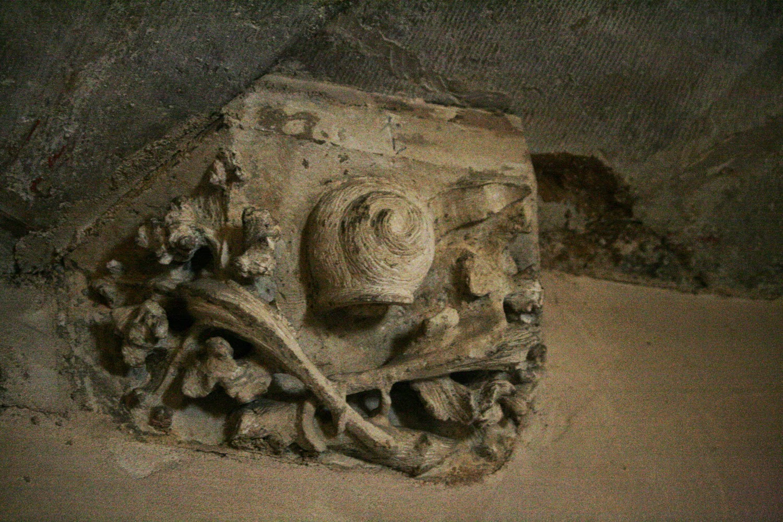 Sculptures tour Philippe Le Bon, escargots des Compagnons