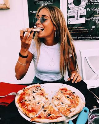 foto tumblr comiendo pizza