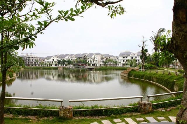 Hồ nước trung tâm