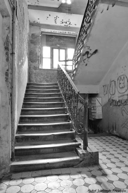 Kamienica, Sprzeczna 8, Warszawa