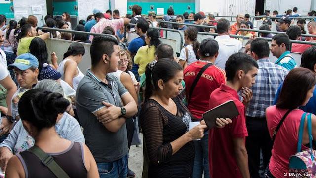 Medidas migratorias de Colombia causan tumultos en Cúcuta