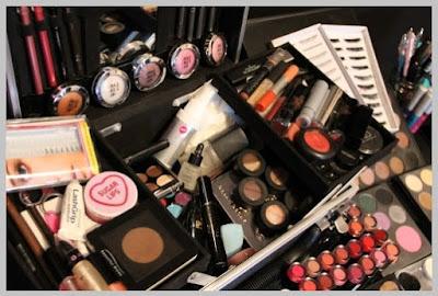 Cara Menyimpan Alat Kosmetik yang Benar