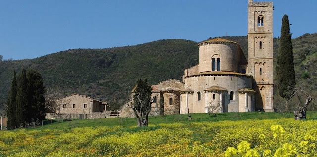 Abbazia di Sant'Antimo em Montalcino na Itália