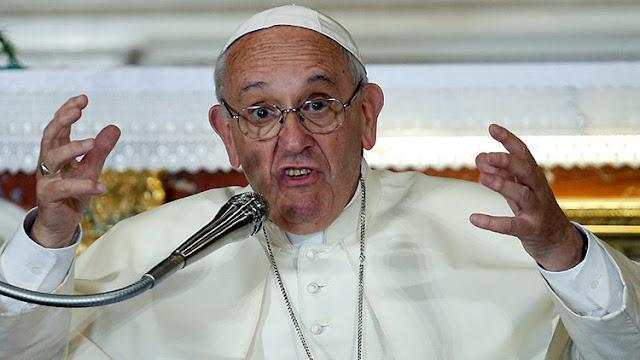 """El papa Francisco, contra los sacerdotes """"wikipedia"""""""