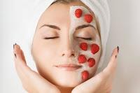 Erfrischende Gesichtsmaske mit Erdbeeren