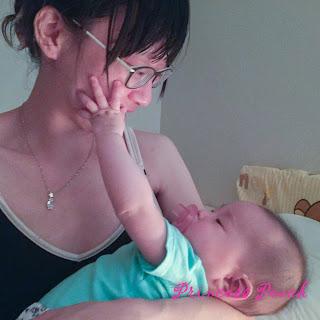 我喜歡媽媽抱抱睡