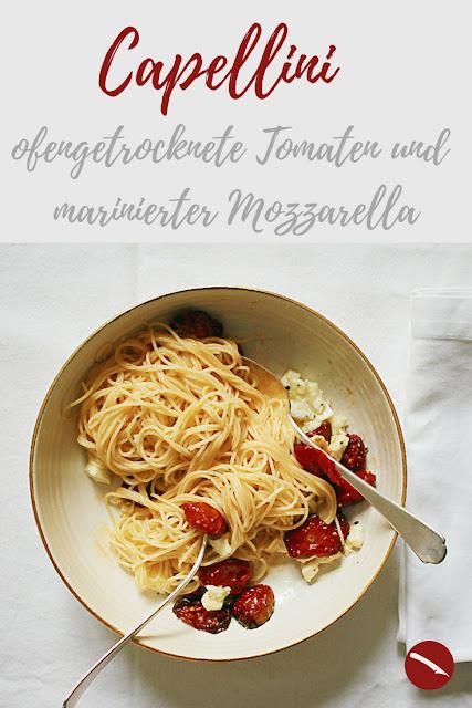 Capellini mit zuckersüßen, ofengerösteten Tomaten und mariniertem Mozzarella #spaghetti #capellini #pasta #nudeln #homemade #tomaten #trocknen #ofen #rösten #einmachen #haltbar_machen #marinieren #mozzarella #italienisch #pasta #kinder #familie #rezepte #einlegen #pizza #caprese #anrichten #foodblog #foodphotography #arthurs_tochter #getrocknete_tomaten #garten #eigene_ernte #aufstrich #rucola #selber_machen #salat #vorspeise #vegetarisch #nudelsalat #pasta