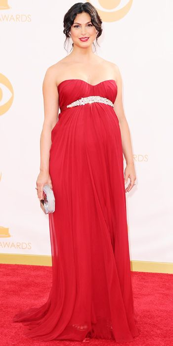 Morena Baccarin in a red strapless gown with Fred Leighton jewels and a Rauwolf clutch at the 65th Annual Primetime Emmy Awards, 2013