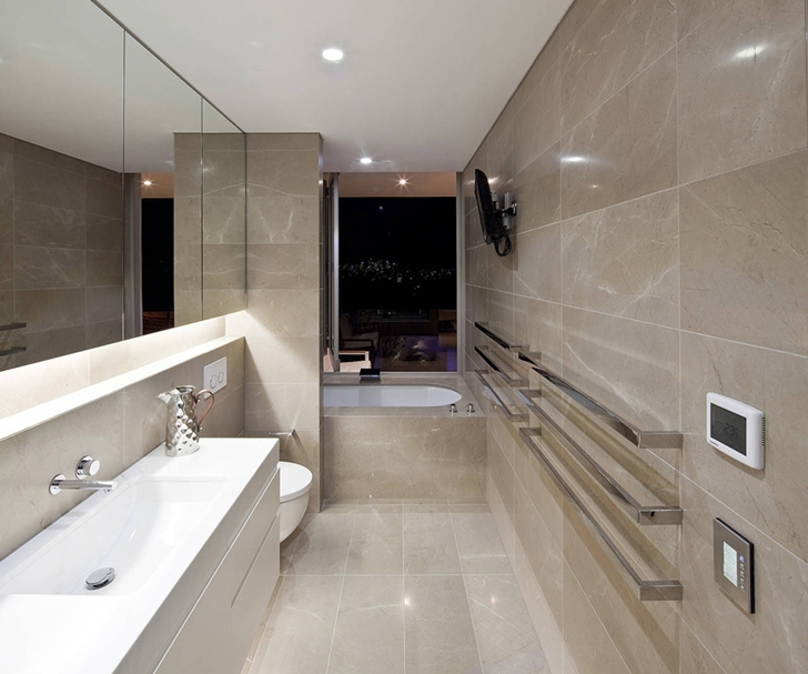Modern bathroom in Portland Street Duplex by MPR Design Group