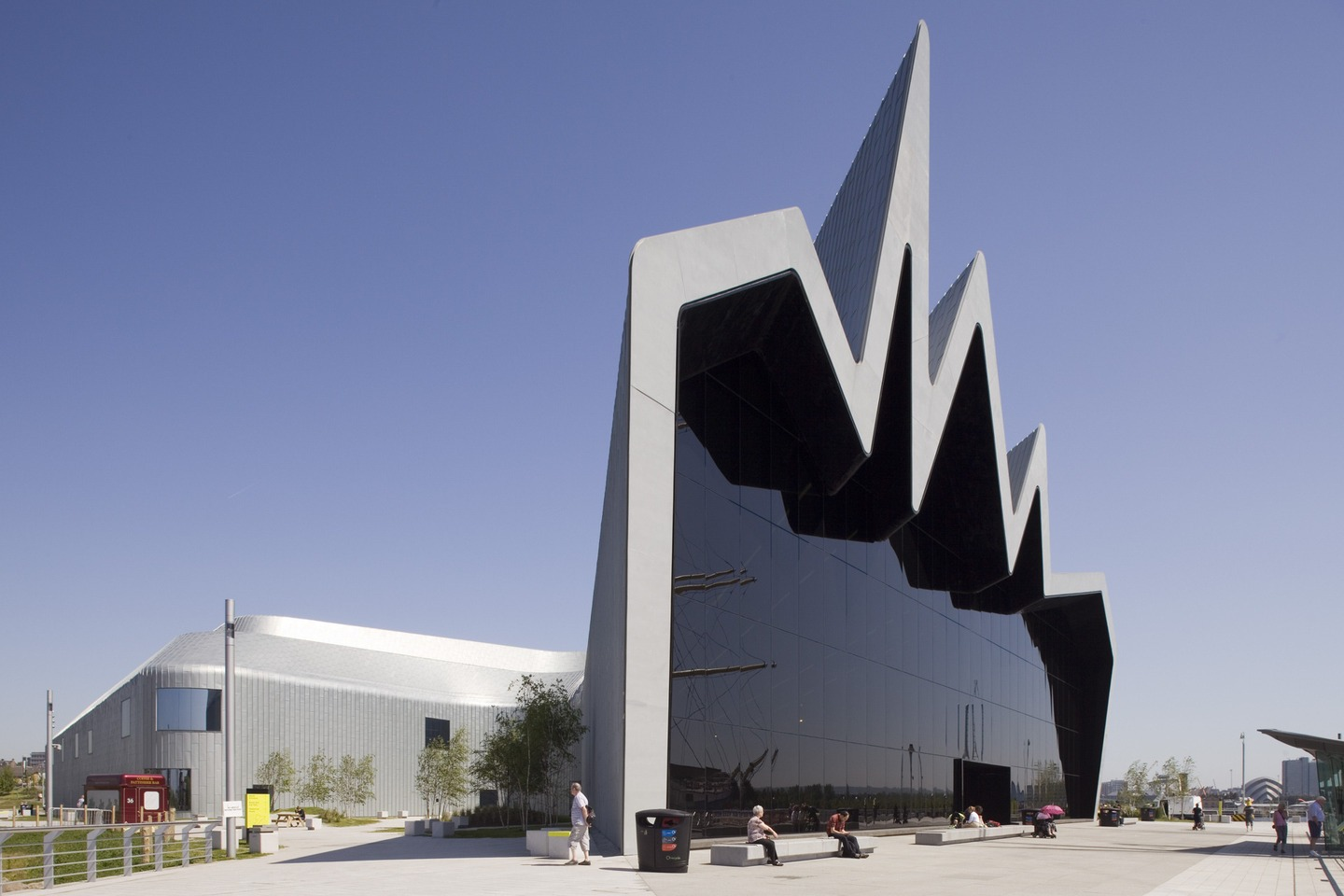 Zaha Hadid S Out Of The World Architecture Designs Arpin