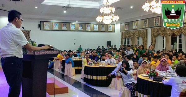 Gubernur Irwan Hadiri Jamuan Makan Malam Bersama FL2MI