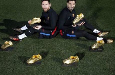 Barcelona Pamerkan Koleksi Sepatu Emas Messi dan Suarez