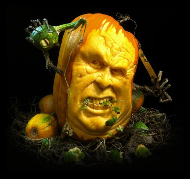 http://3.bp.blogspot.com/-LgR7nP89v3E/UJHDYcQKPAI/AAAAAAAAGu4/End6mTgzdzg/s1600/halloween-pumpkin-carvings-by-villafane-studios-13.jpg