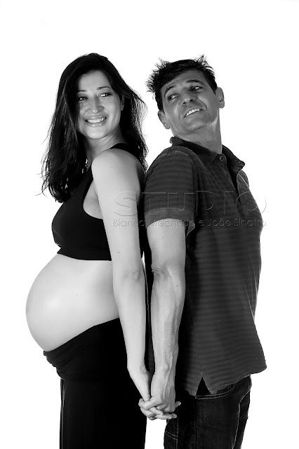 exemplos de fotos em estudio para gravidas