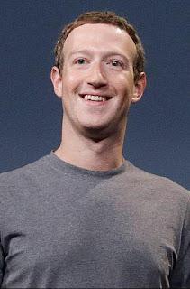 مارك زوكربيرغ مؤسس موقع فيسبوك.