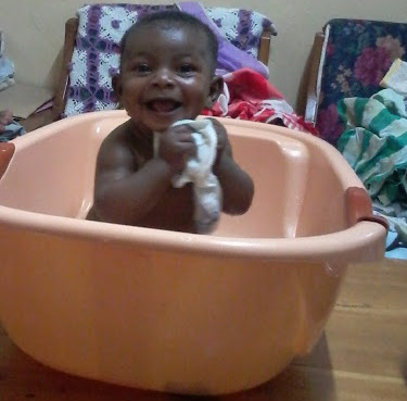 Simple tips to help you have a safe bathing experience with baby