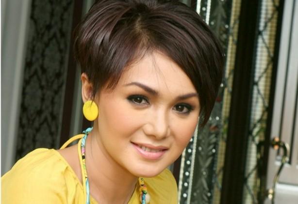 Biodata Dan Profil Yuni Shara
