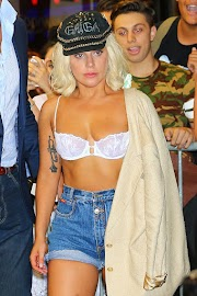 OOPS! Lady Gaga Suffers Wardrobe Malfunction (PHOTO)