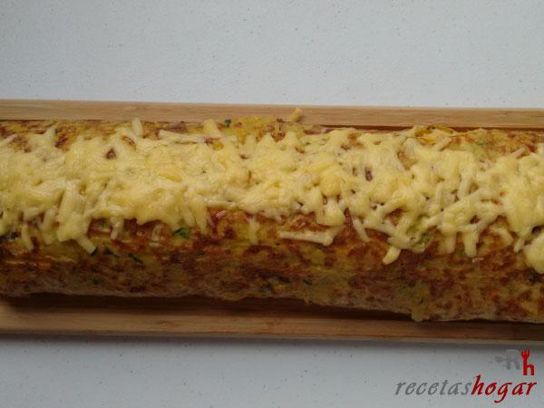 Receta del rollo de tortilla española con queso y jamón