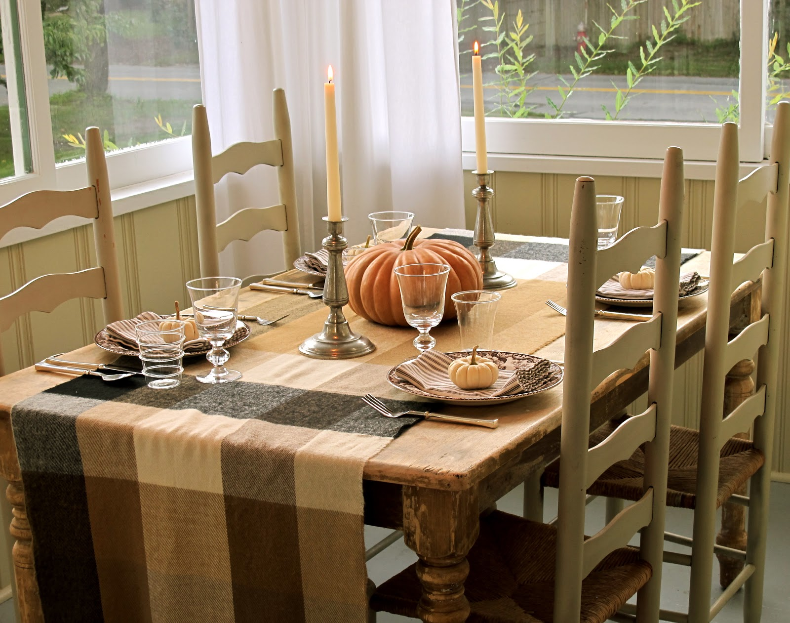 jenny steffens hobick fall table setting fall entertaining fall dinner party. Black Bedroom Furniture Sets. Home Design Ideas