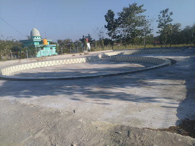 Proyek Kolam Renang Terkesan Dipaksakan