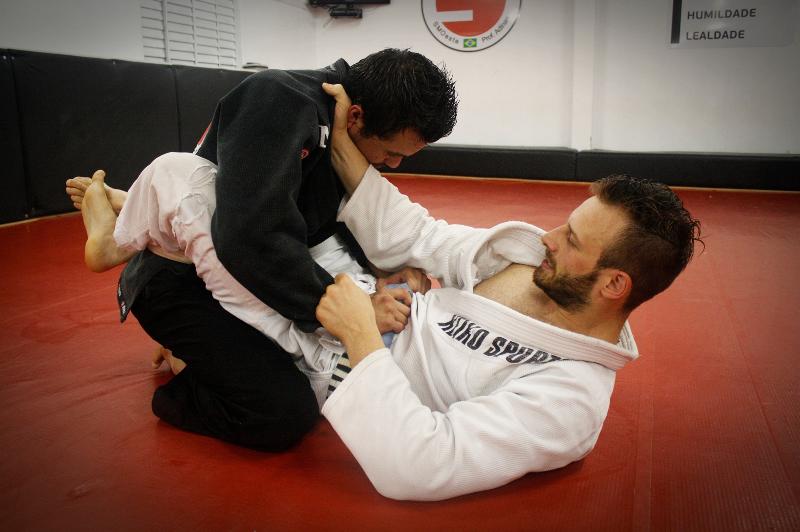 guarda-fechada-jiu-jitsu