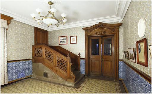 Вестибюль Массандровского дворца