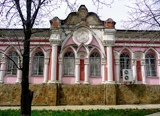Бахмут. Бывшая синагога. Сейчас – магазин