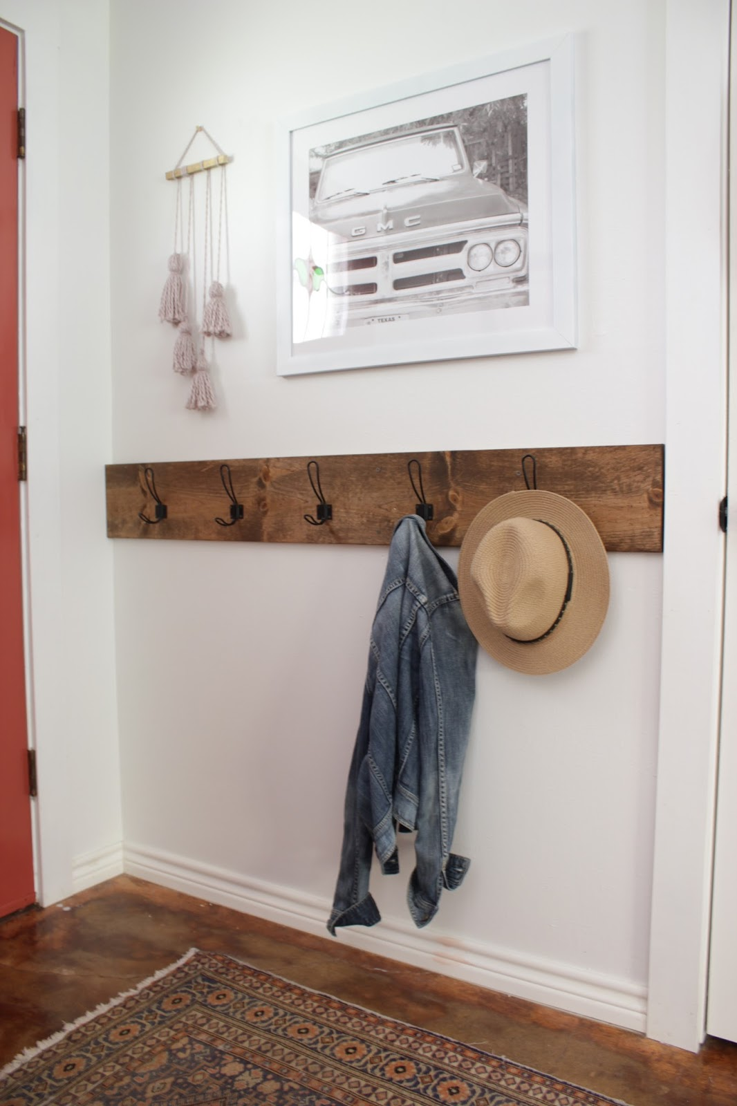 Entry way space, wall rack | House Homemade