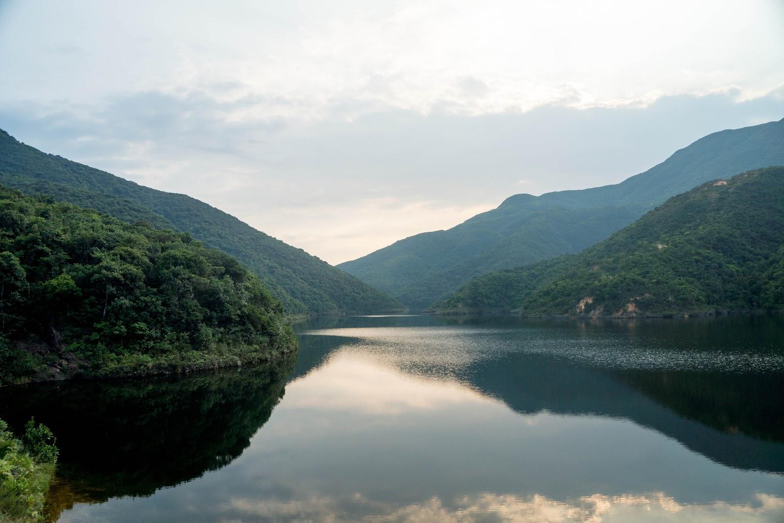 【香港隨行】紫羅蘭山徑續篇 風光如畫的大潭中水塘、大潭篤水塘 | 艾子隨行 Mr. K – U Blog 博客