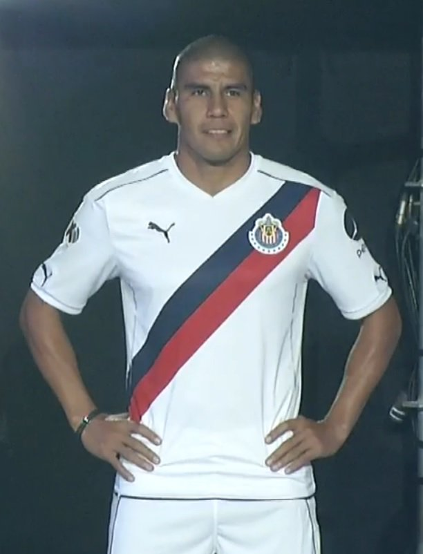 puma-chivas-16-17-away-kit.jpg