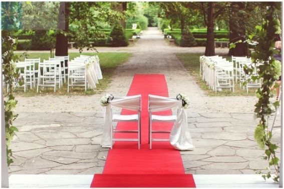 Romantyczny ślub w plenerze, ślub plenerowy, ślub w plenerze, ślub cywilny, organizacja ślubu w plenerze, dekoracje ślubu plenerowego, dekoracje ślubne, blog ślubny, wedding planner Krakow, Winsa blog ślubny
