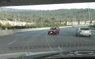 Γυναίκα οδηγός πήγαινε ανάποδα στον περιφερειακό Υμηττού