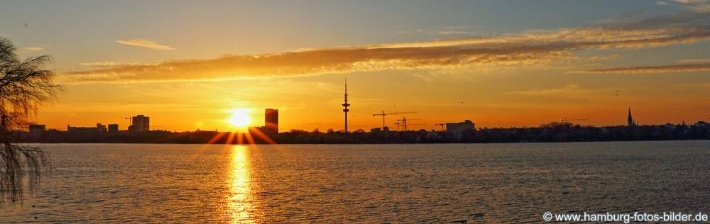 Hamburg Panorama Sonnenuntergang Skyline Aussenalster